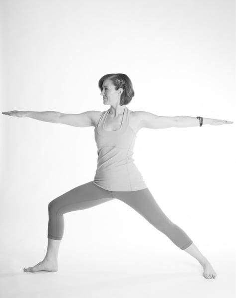 seconda versione della posizione yoga del guerriero