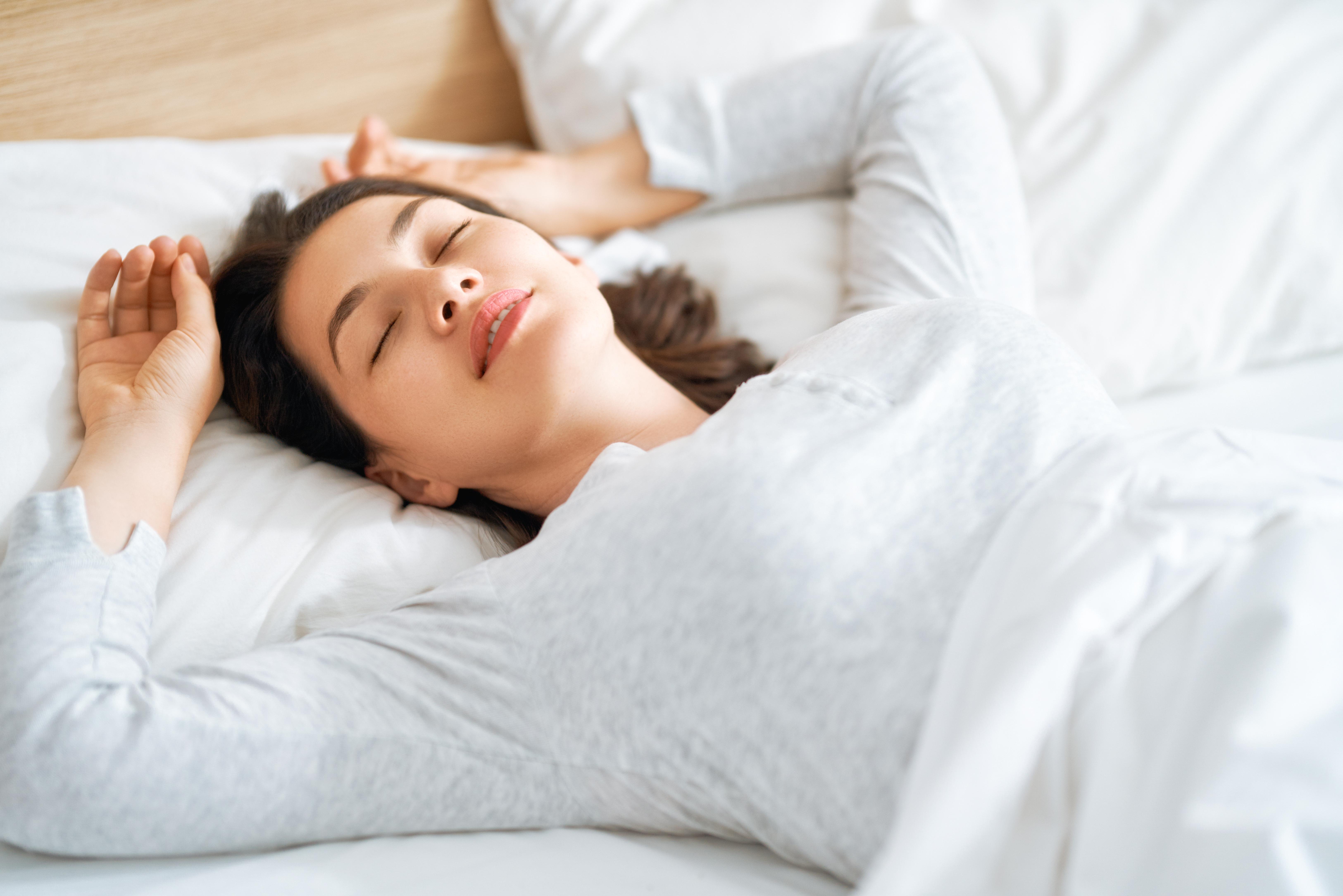 sleeping-woman-MPR64CX